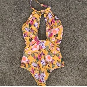 Great fit, gorgeous print one piece.
